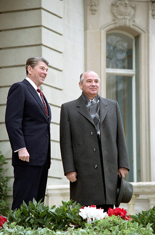 President Reagan's first meeting with Soviet General Secretary Gorbachev at Fleur D'Eau during the Geneva Summit in Switzerland . 11/19/85. Courtesy Ronald Reagan Library.